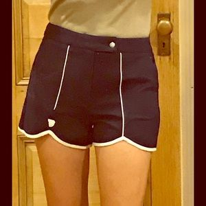 NWT Tretorn navy and white short, size 6